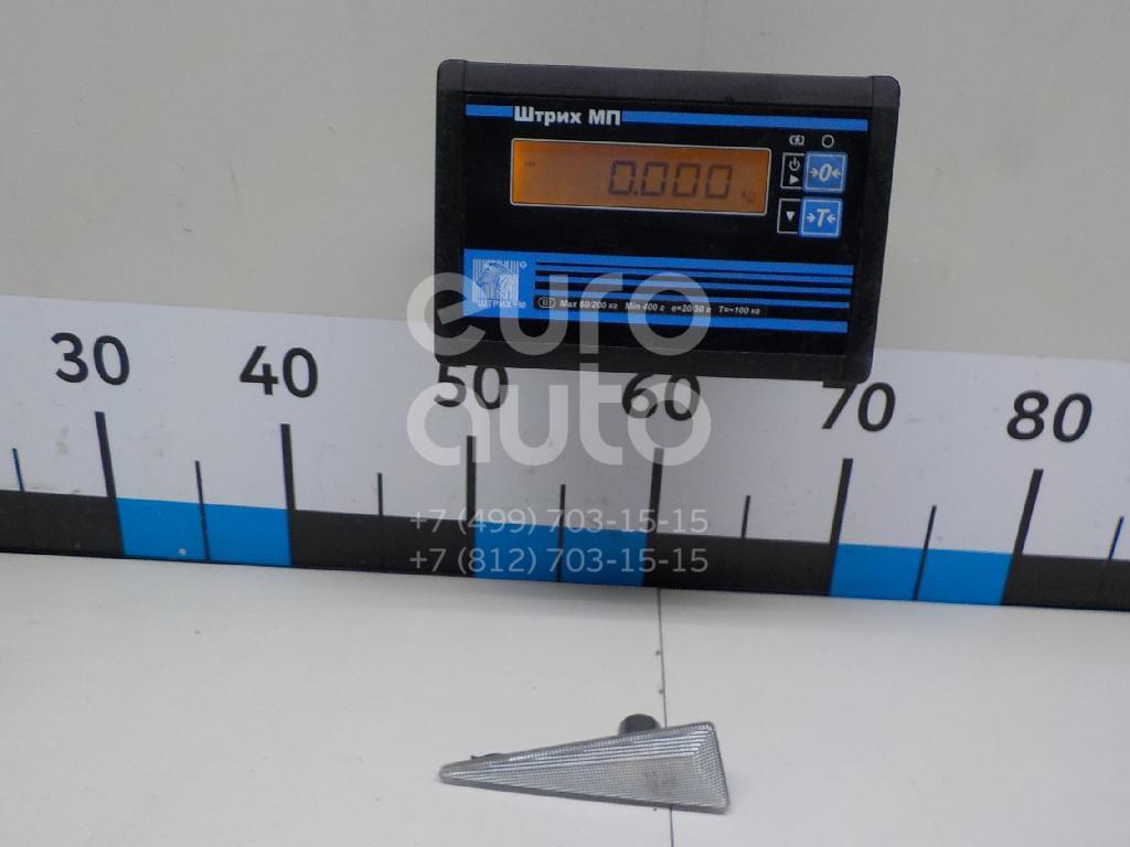 Повторитель на крыло левый Renault 8200027150