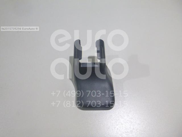 Крышка кронштейна сиденья Toyota 7215860090C0